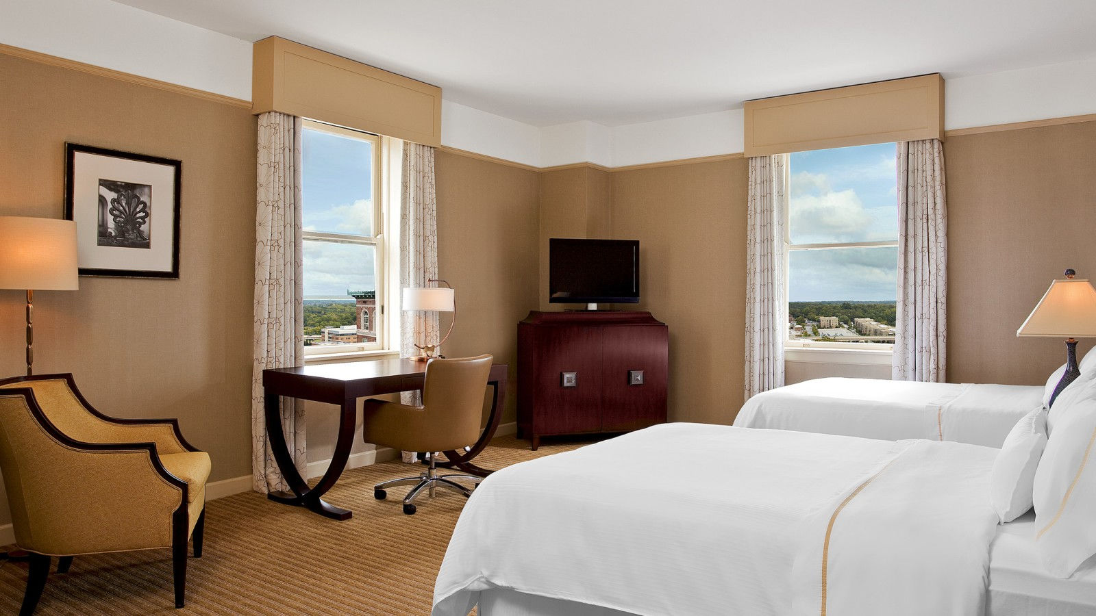 downtown greenville sc hotels the westin poinsett. Black Bedroom Furniture Sets. Home Design Ideas
